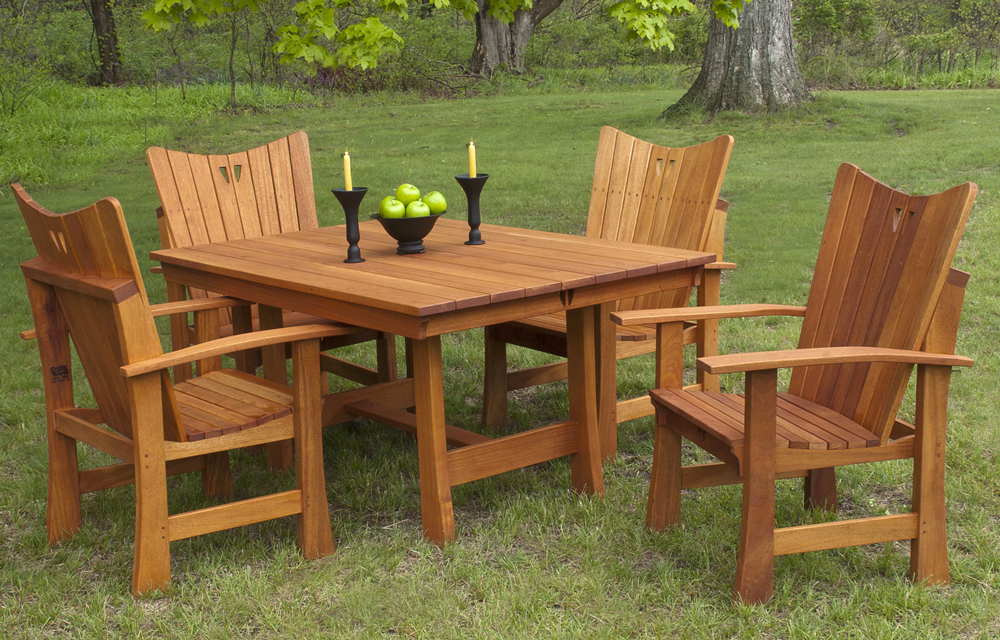 Stag Run Mahogany Outdoor Dining Table